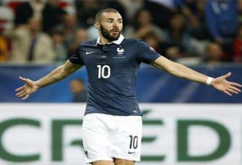 """เมเนสชี้ ! เมเนสกูรูฟุตบอลฝรั่งเศสเชื่อเบนเซม่าจะไม่ติดทับ""""ตราไก่"""""""