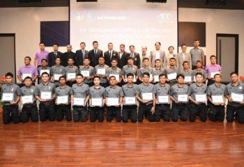 สมาคมฯ มอบประกาศนียบัตร ผู้ผ่านการอบรม Futsal Coaching